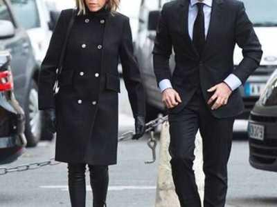 法国总统与他的妻子 法国总统最热候选人马克龙和大他24岁的妻子
