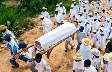 复活女婴 女婴死亡后被送入太平间奇迹复活