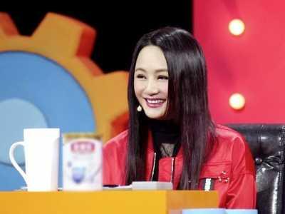 王斑微博 著名主持人曹颖声带囊肿接受手术
