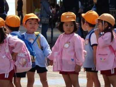 中国孩子在日本上学 日本街上现象让人不解